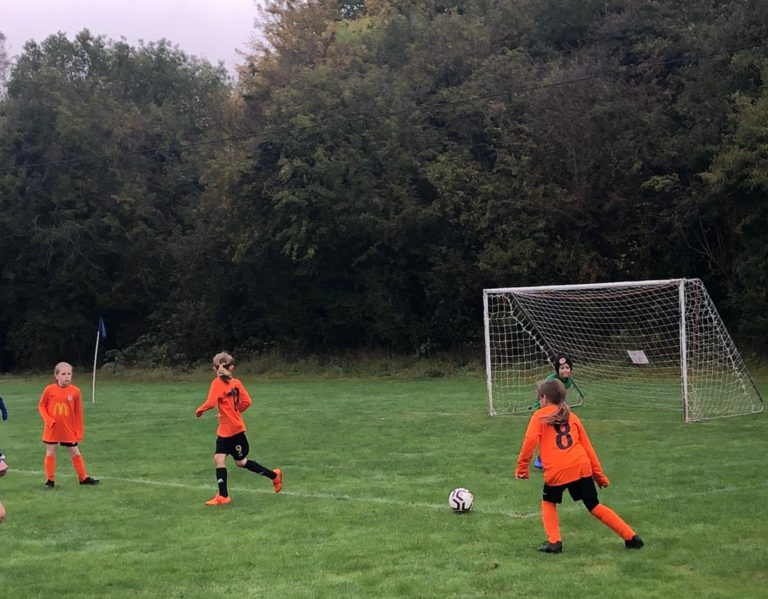 U9 Girls v Croft Juniors - Match photo 6